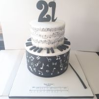 Music lovers' 21st birthday cake