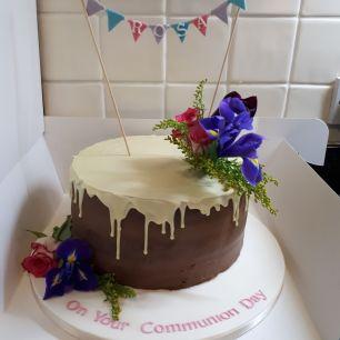 Drip effect cake